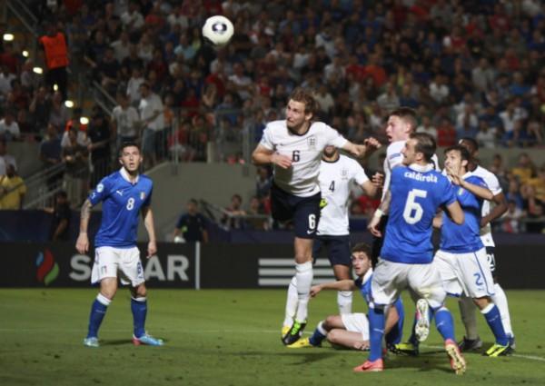 Англия стартовала с поражения от Италии