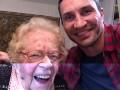 Кличко встретился с 110-летней фанаткой