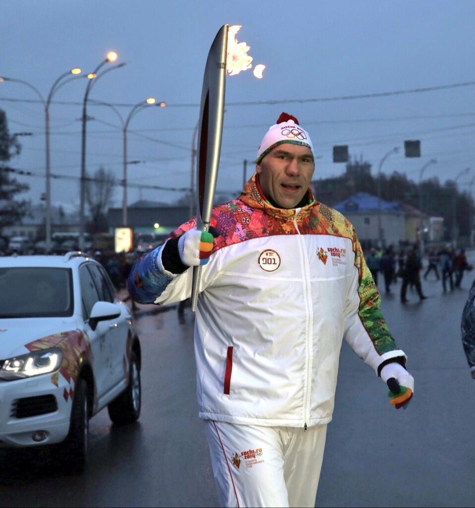 Валуев принял участие в эстафете Олимпийского огня