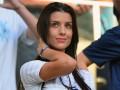 Сексуальная поддержка: Мать двоих детей защитника сборной Франции