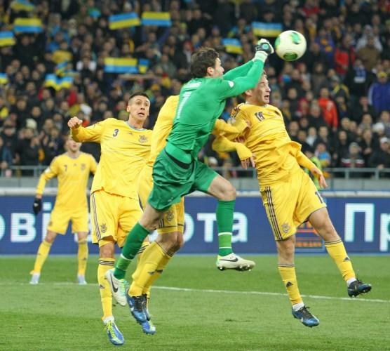 Уго Льорис пропустил два гола в киевском матче