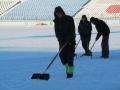 Зирка пригласила всех желающих на уборку снега со стадиона
