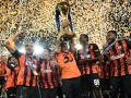 Как Шахтер отмечал победу в Кубке Украины – в фоторепортаже с поля