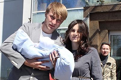 Роман Безус с женой Анной и сыном Кириллом