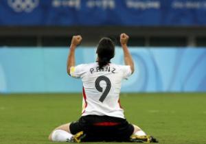 Легенда мирового футбола завершила карьеру