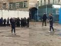 Алиев сыграл в футбол с заключенными