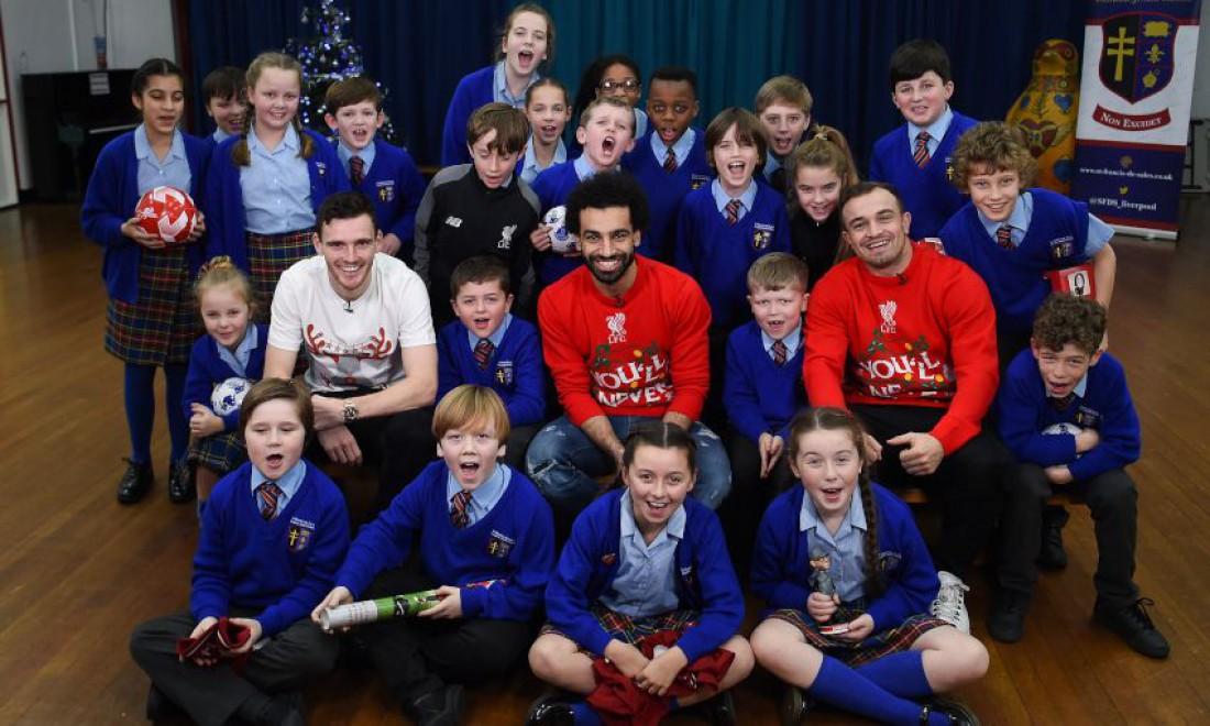 Игроки Ливерпуля устроили школьникам сюрприз