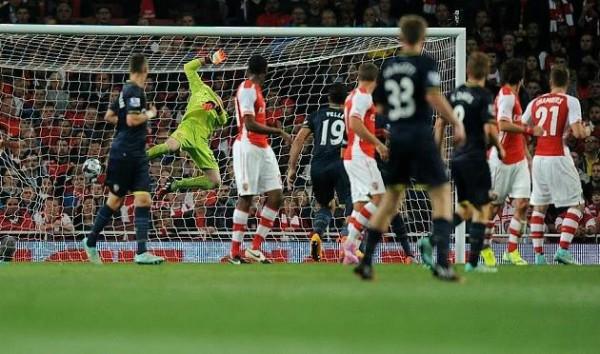 Арсенал вылетел из Кубка Лиги