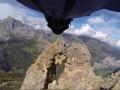 Полет сквозь расщелину: Самое экстремальное видео 2015 года