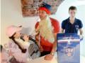 Экс-звезда NHL стал Дедом Морозом для юных болельщиков (ВИДЕО, ФОТО)
