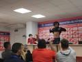 Стокилограммовый игрок сборной Панамы ответил на вопрос о весе, показав пресc