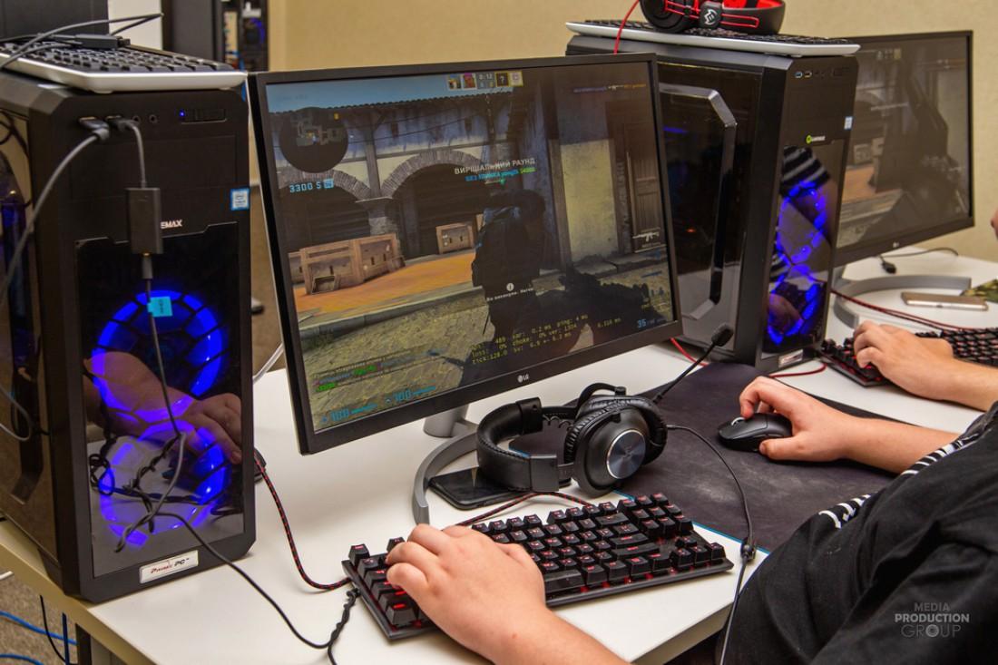 У Сумах пройшов кіберспортивний турнір з CS:GO та Mortal Kombat