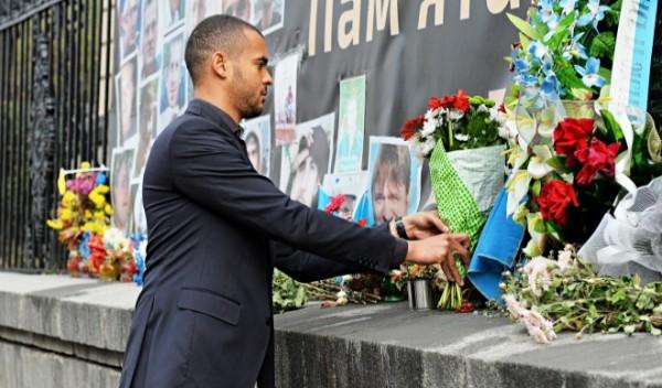 Делигация Легии почтила память погибших на Майдане