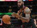 Роскошный данк ЛеБрона и блок-шот Уэйда – среди лучших моментов дня НБА