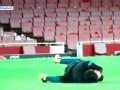 Луис Cуарес симулировал адскую боль перед матчем с Арсеналом в Лиге чемпионов