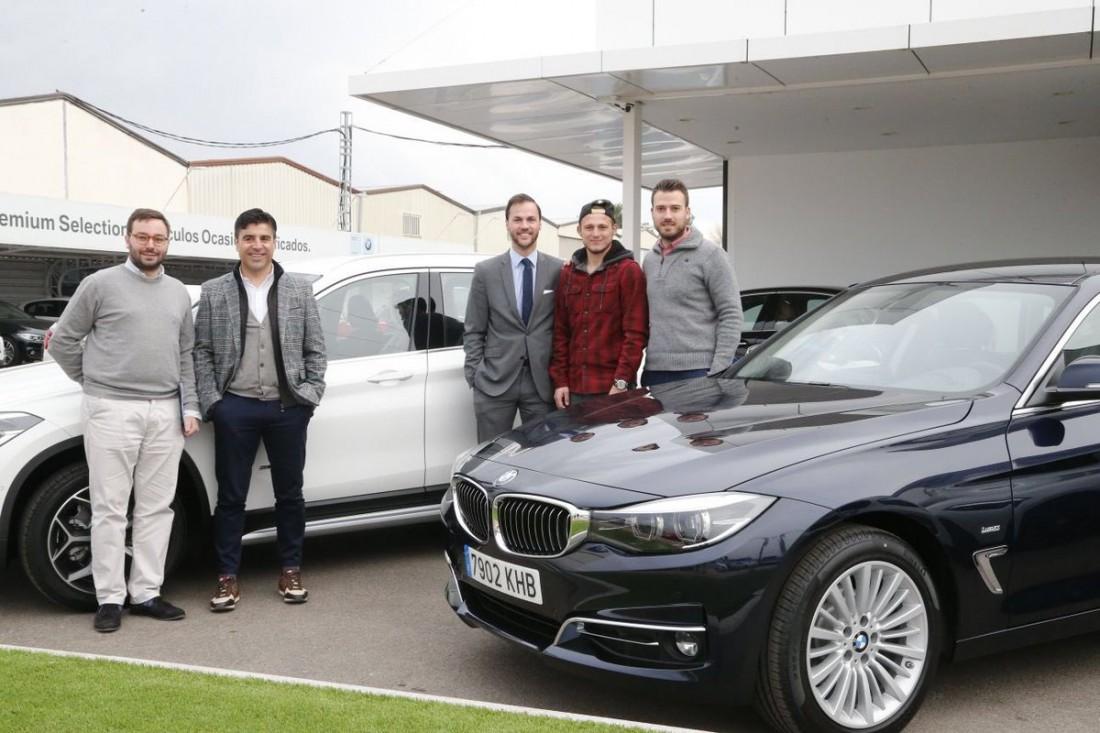 Роман Зозуля получил новый автомобиль от спонсора клуба