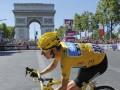 Британец Брэдли Уиггинс выиграл Тур де Франс-2012