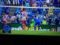 Фанат Хетафе голой задницей помог своему вратарю отбить пенальти (фото, видео)