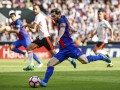 Барселона в скандальном матче победила Валенсию