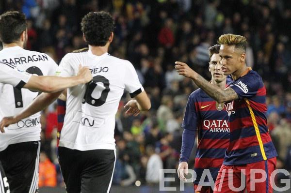 Неймар в матче с Валенсией