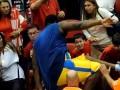 Баскетболист после матча набросился на одного из болельщиков