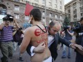 Активистка FEMEN поскандалила на церемонии запуска часов ЕВРО-2012
