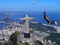 Полет нормальный: Фотожабы на фантастический гол Робина ван Перси