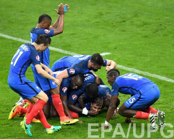 Сборная Франции разгромила Исландию