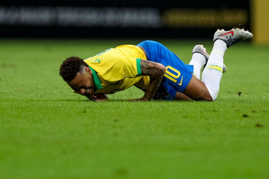 Неймар получил травму во время матча