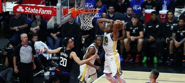 Плей-офф НБА: Голден Стэйт разгромил Клипперс, Бруклин крупно уступил Филадельфии