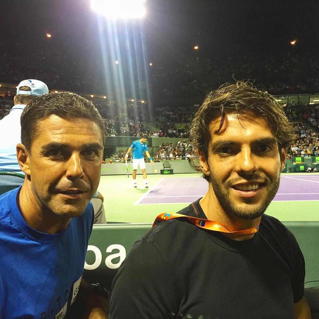 Кака на теннисном поединке с участием Новака Джоковича