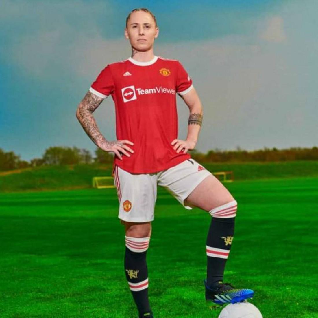 Манчестер Юнайтед представил новую домашнюю форму