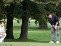 Звезды Манчестер Сити неудачную игру в ЛЧ отметили партией в гольф