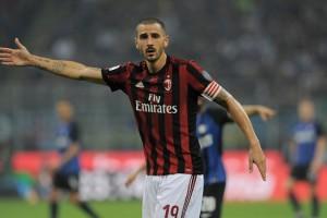 Капитан Милана Бонуччи позорно забил мяч в свои ворота