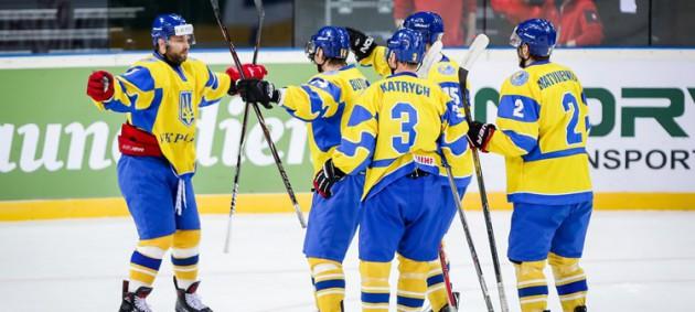 Хоккей: Украина стартовала с победы над Румынией на ЧМ-2018