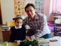 Экс-игрок Динамо отвел своих детей в школу  (фото)