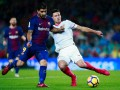 Барселона планирует подписать защитника Севильи - СМИ
