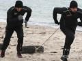 Соперник Кличко таскает покрышки на берегу моря (ФОТО)