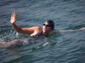 Австралийскую пловчиху закусали медузы во время попытки установить рекорд