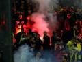 Дым и огонь: Фанаты Галатасарая устроили беспорядки в Дортмунде (фото, видео)