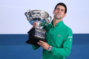 Джокович в напряженном финале стал восьмикратным чемпионом Australian Open