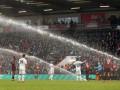 Полив стадиона Борнмута включился во время матча с Вулверхэмптоном