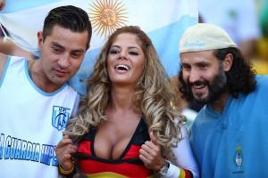 Самые яркие декольте чемпионата мира по футболу (фото)