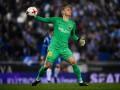 Фанат Эспаньола кинул неизвестный предмет во вратаря Барселоны во время матча