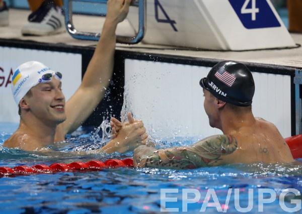 Говоров (слева) выиграл свой полуфинальный заплыв