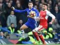 Видео фантастического гола Азара в матче с Арсеналом