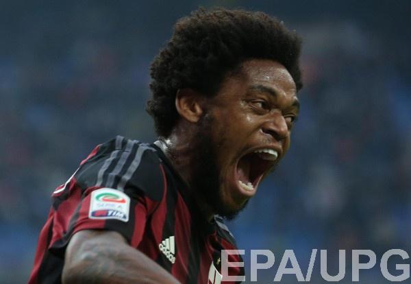 Милан не оставляет попыток продать Луиса Адриано