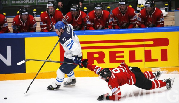 Финляндия уверенно побеждает канадцев