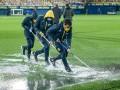 Чудеса природы: Вильярреал показал, как поле заливало дождем накануне матча с Маккаби