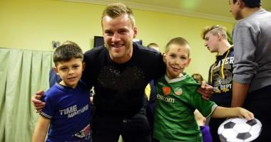 Ярмоленко посетил детский дом накануне Нового года